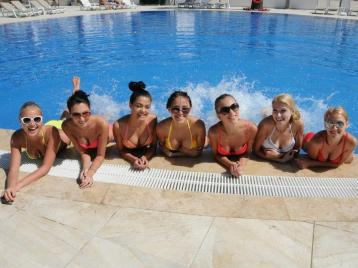 Хотел Palm Wings Beach Resort Kusadasi 4* - басейн