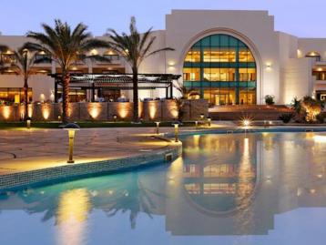 Хотел Movenpick Resort Soma Bay