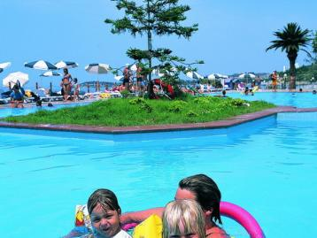 Хотел Ephesia Holiday Beach Club HV - басейн
