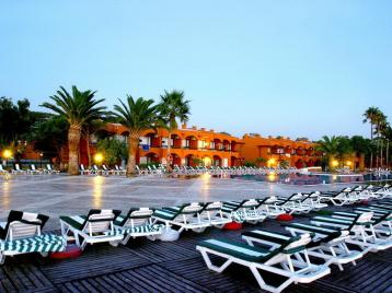 Хотел Ephesia Holiday Beach Club HV - шезлонги