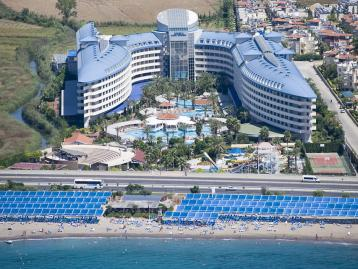 Хотел Crystal Admiral Resort - фасада