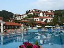 Хотел Aristotelis Holiday Resort & SPA